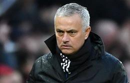 """Hạ giá, HLV Mourinho có thể dẫn dắt đội """"hạng hai"""""""