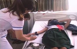 16 học sinh ngộ độc nghi do uống trà sữa