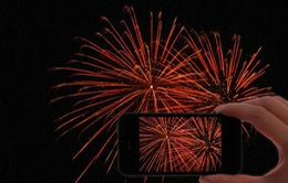 Thủ thuật mang pháo hoa rực rỡ sặc màu tuyệt đẹp lên màn hình smartphone để đón Tết