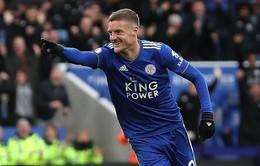 Lập cú đúp vào lưới Fulham, Vardy chạm mốc 100 bàn cho Leicester City