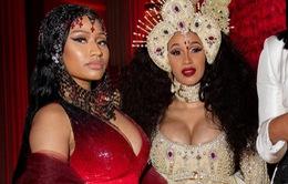 Giận dữ vì Nicki Minaj hủy concert, fan gọi tên đối thủ Cardi B
