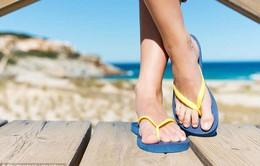 Du khách có thể bị phạt tới 60 triệu đồng nếu đi dép xỏ ngón trong khu vực cấm ở Italy