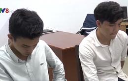 Đà Nẵng tạm giữ 2 thanh niên dùng gạch tấn công cảnh sát 911