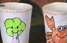 Độc đáo sáng chế giấy chống thấm từ bã mía của hai nữ sinh Huế