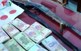 Khởi tố vụ án đánh bạc có cả súng ở Thanh Hóa