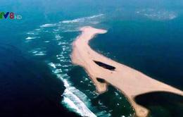 """Quảng Nam tìm cách đưa """"đảo cát"""" ngoài biển vào bờ Cửa Đại"""