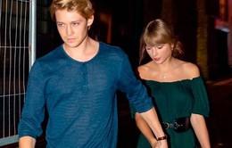 Rộ tin Taylor Swift và bạn trai sắp đính hôn