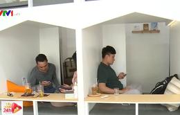 Độc đáo mô hình quán cà phê giường nằm phong cách Nhật Bản