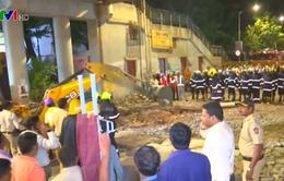 Sập cầu vượt tại Mumbai (Ấn Độ), hơn 40 người thương vong