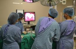 4 tiếng phẫu thuật u nang buồng trứng hoại tử cứu sản phụ và thai nhi 16 tuần tuổi