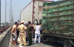 Xe tải đâm xe đầu kéo trên cao tốc, 3 người thương vong