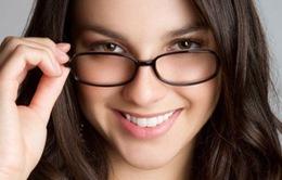 Mẹo makeup cực xinh với đôi mắt kính cận