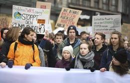 Hàng nghìn học sinh, sinh viên Đức tuần hành kêu gọi đối phó với biến đổi khí hậu