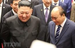 """Thủ tướng và Chủ tịch Triều Tiên tham quan trưng bày ảnh """"Quan hệ Việt Nam - Triều Tiên"""""""