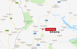 Va chạm xe buýt tại Ghana: ít nhất 50 người bị thiêu chết
