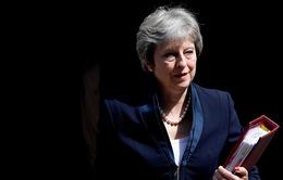 Thủ tướng Anh tiếp tục đối mặt áp lực yêu cầu từ chức