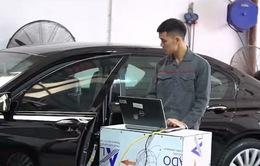 Sửa xe ô tô: Vào hãng hay ra ngoài?