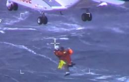 Cuộc giải cứu ngoạn mục các du khách trên du thuyền Viking Sky