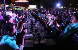Kỷ lục 1.486 người cùng nếm rượu Tequila