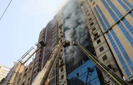 Cháy nhà cao tầng ở Bangladesh