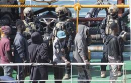 Người di cư cướp tàu chở hàng ngoài khơi Libya