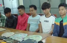 Bắt nhóm đối tượng đánh bạc với số tiền gần 100 triệu đồng