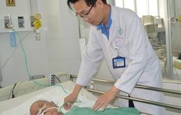 Cấp cứu thành công bệnh nhân gần 90 tuổi bị u não nặng