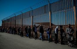 Biên giới Mỹ đã đến mức báo động vì tình trạng vượt biên
