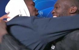 """Pogba """"tấn công"""" đồng đội sau màn ngược dòng không tưởng của Man Utd"""