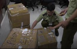 TP.Hồ Chí Minh: Thu giữ lô hàng Iphone, Ipad nhập lậu trị giá hơn 4 tỷ đồng