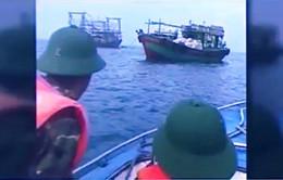 Biên phòng Quảng Ninh cứu nạn ngư dân
