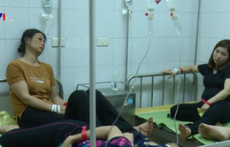 Gần 90 công nhân nhập viện nghi bị ngộ độc thực phẩm