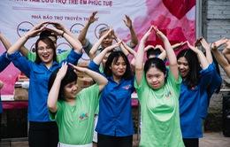 Sinh viên HV Báo chí và Tuyên truyền trao yêu thương đến các em nhỏ tàn tật tại Trung tâm Phúc Tuệ