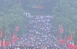 Hàng triệu du khách đổ về Đền Hùng trước ngày Giỗ Tổ