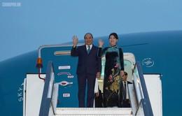 Thủ tướng đến Bucharest, bắt đầu chuyến thăm chính thức Romania