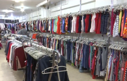 Cửa hàng bán quần áo theo cân tại Ai Cập