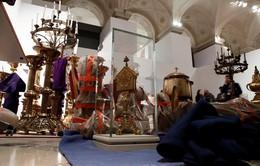 Kho báu ở Nhà thờ Đức Bà chuyển sang bảo tàng Louvre