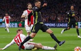 """""""Nội gián"""" ở Ajax tính chuyện hất cẳng Barcelona"""