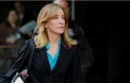 Chạy trường cho con, diễn viên Felicity Huffman đối mặt mức án 10 tháng tù