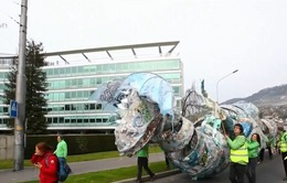 Các nhà hoạt động môi trường yêu cầu Nestle hạn chế nhựa sử dụng 1 lần