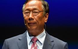 Ông chủ Foxconn bất ngờ tuyên bố rút khỏi việc kinh doanh sau hơn 4 thập niên