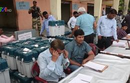 Ấn Độ hủy cuộc bỏ phiếu ở miền Nam