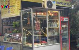 Tái diễn tình trạng treo bán thịt thú ở lễ hội chùa Hương