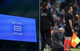 """Pep Guardiola: """"VAR thật là tàn nhẫn"""""""