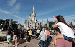 Disney cấm hút thuốc tại các công viên của Mỹ