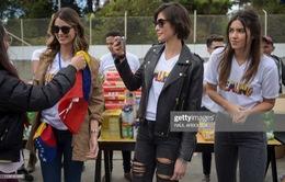 Hoa hậu hoàn vũ làm từ thiện ở Venezuela
