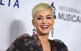 Chán tóc ngắn, Katy Perry trở lại với mái tóc dài quyến rũ
