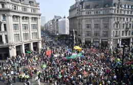 Hơn 1.000 người bị bắt giữ khi biểu tình tại London