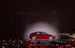 Tesla công bố chip máy tính mới cho xe ô tô tự lái