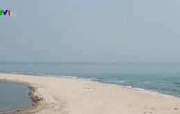 Đảo cát ở biển Cửa Đại dài thêm 80m